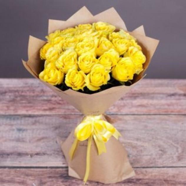 25 жёлтых роз